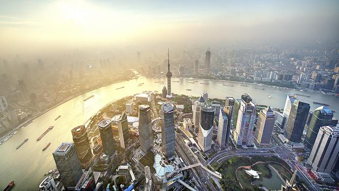 """长三角企业各显神通来沪""""抢人"""" 薪资不比上海同行低"""