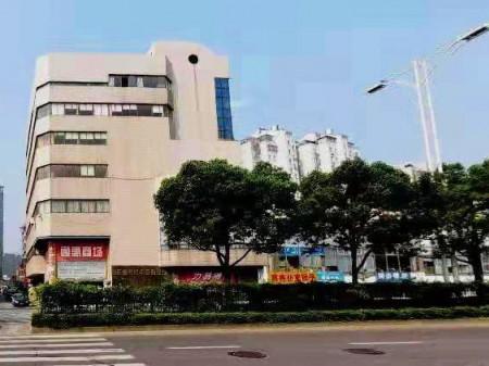 房东直租梁溪区商业街商铺兴源路800号7层商铺共2500平