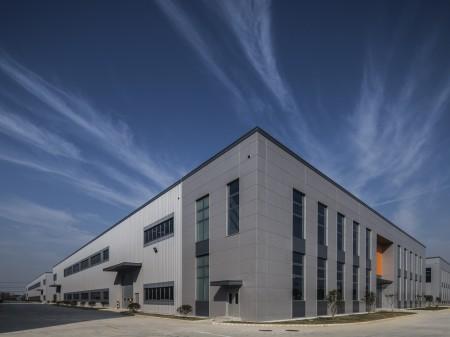 新区鸿山新建8000平标准机械厂房 层高10米有牛腿可上行车