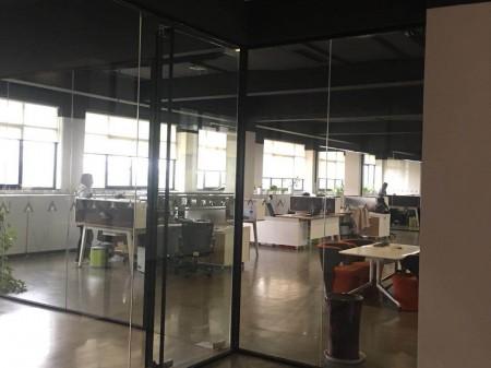 吴江经济开发区新出独栋底楼2200平,带精装修办公室,带门头大厅